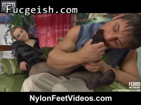 Frau beim kitzler reiben video