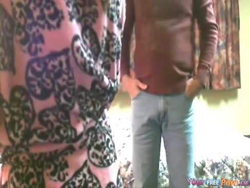 Senior mann zerschmettert redbone prostituierte - versteckte cam.