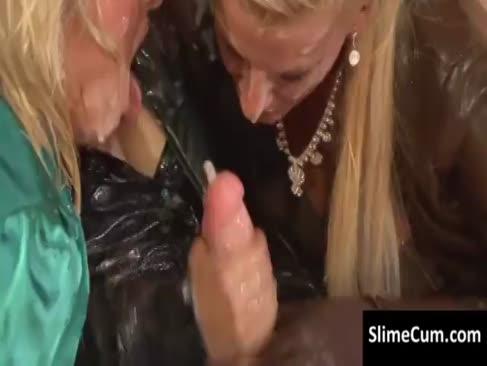 G g-bretter reiben ihre spunk-mattierte hügel