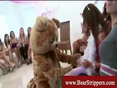 Gals verlangt nach dem tanzen cubs mann wurst