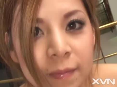 Sechs japanische femmes massage und abwechselnd humping ein kerl