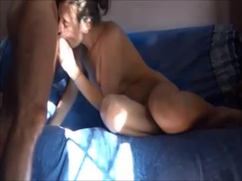 First-timer stunner bekommen orgasmus