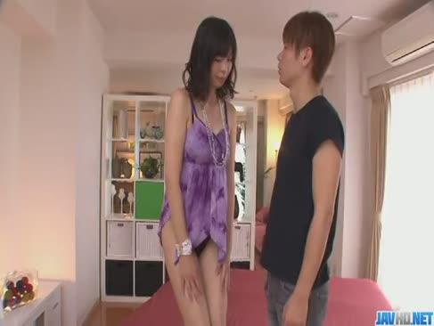 Saki aoyama asiatische dame geben blowage und trommeln zwei jungs