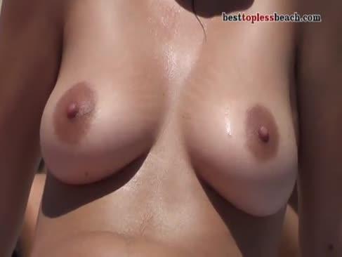 Heißester bare-breasted strand btb 3 0151m