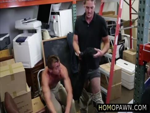 Funky rocker boy verführt von 2 geschmolzenen dudes und gepflügt starr in den arsch