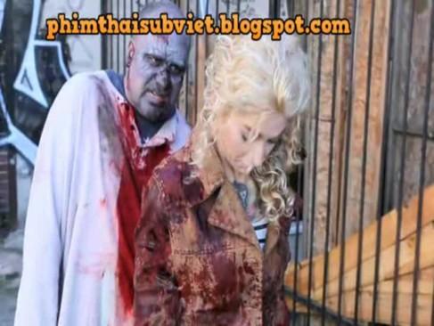 Frau wird von pferdeschwanz in die muschi gefickt