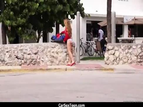 Teenager trampft ihren weg auf einen speer 5