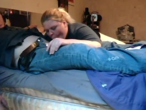 Frau fickt ein hund